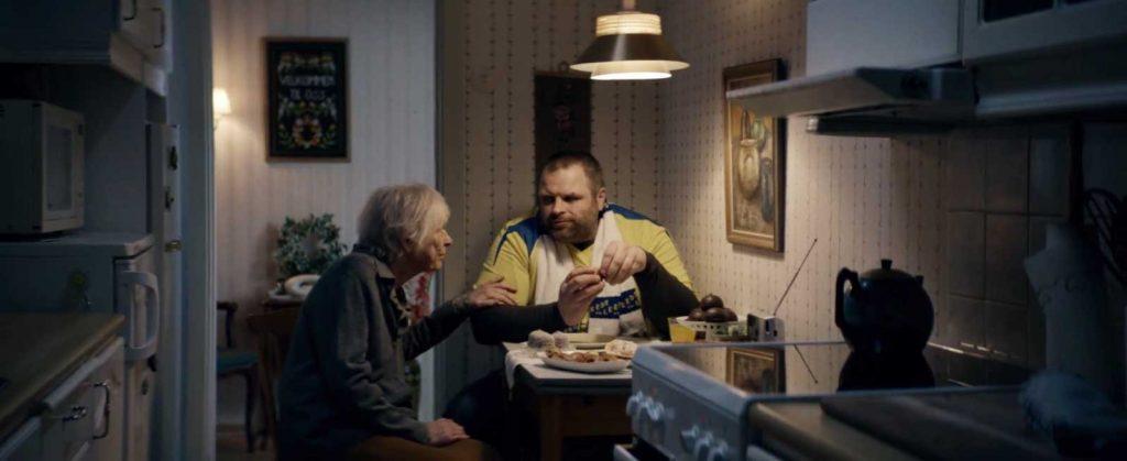 Glimt fra VGs reklamefilm «Etterlengtet nederlag».