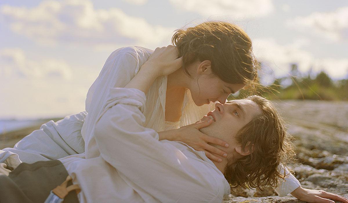 HEMMELIG OG FARLIG: Lydia (Karin Franz Körlof) og Arvid (Sverrir Gudnason) innleder et hemmelig forhold mens de er gift på hver sin kant.