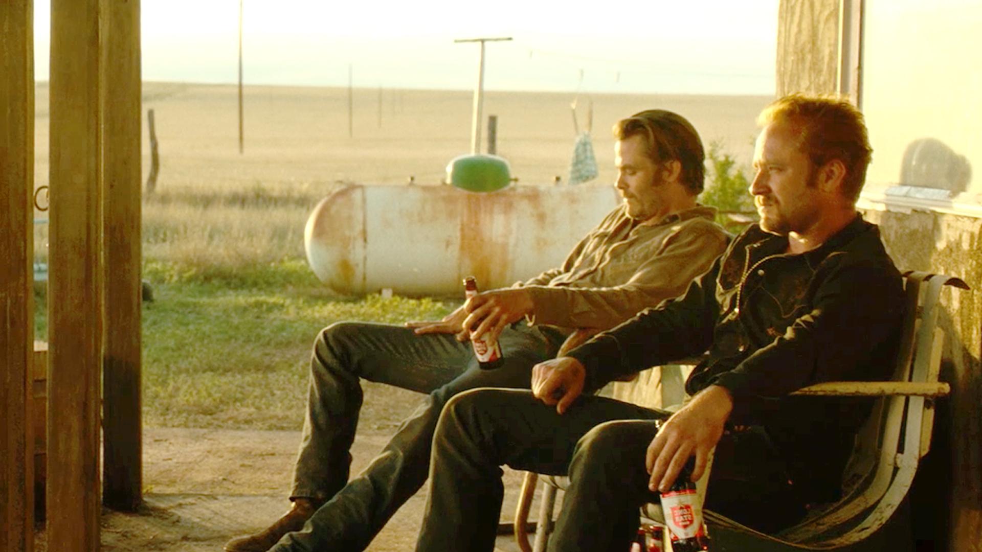 GODT SKUESPILL: Chris Pine og Ben Foster spiller hovedrollene i Hell or High Water.