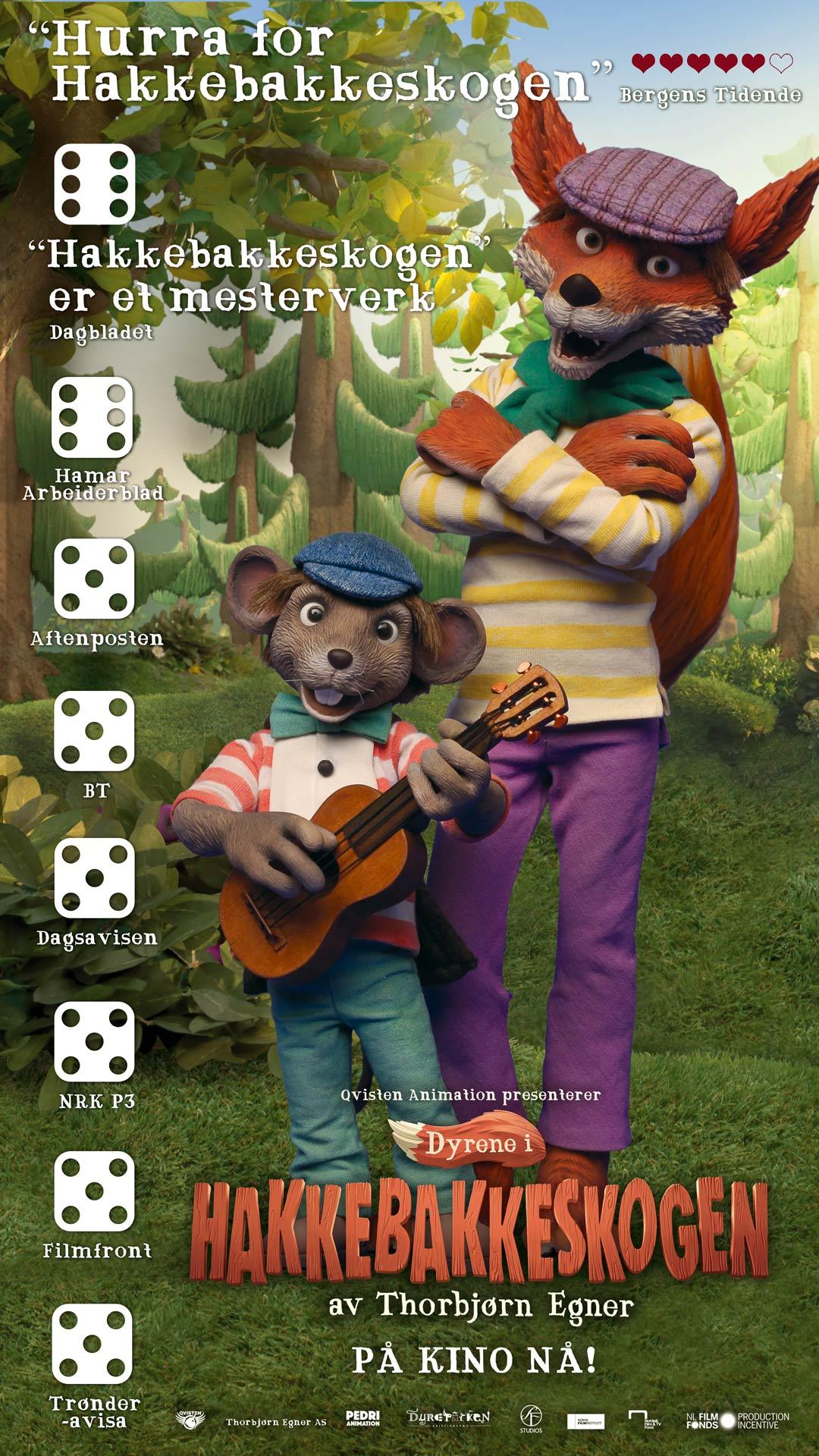 Reklameplakat for Dyrene i Hakkebakkeskogen med aktuelle anmeldelser.